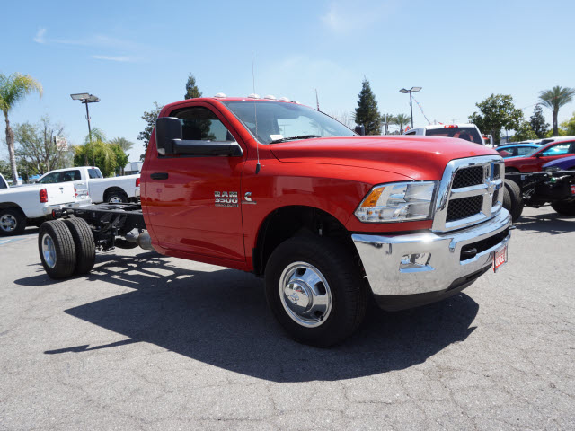 2015 Ram 3500 Regular Cab DRW, Cab Chassis #B57600 - photo 5
