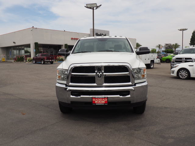 2016 Ram 3500 Regular Cab DRW 4x4 Cab Chassis #B58267 - photo 3