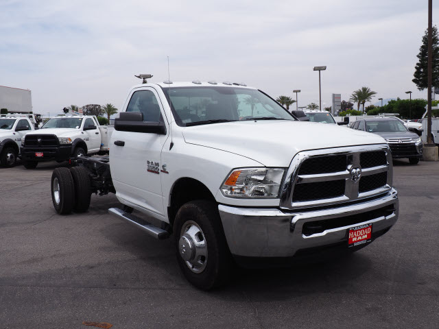 2016 Ram 3500 Regular Cab DRW 4x4 Cab Chassis #B58267 - photo 4