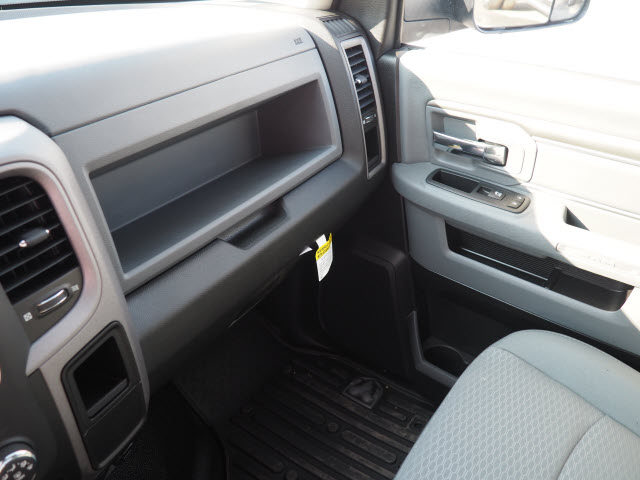2016 Ram 3500 Regular Cab DRW, Welder Body #B58311 - photo 15