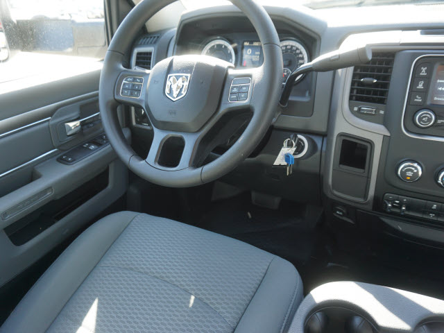2016 Ram 3500 Regular Cab, Royal Service Body #B58490 - photo 13