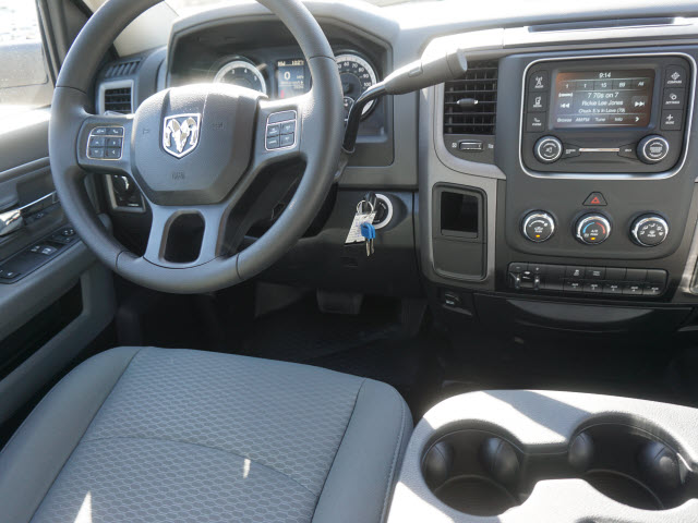 2016 Ram 3500 Regular Cab, Royal Service Body #B58490 - photo 14