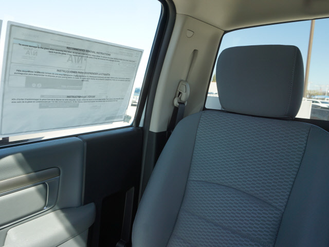 2016 Ram 3500 Regular Cab, Royal Service Body #B58490 - photo 17