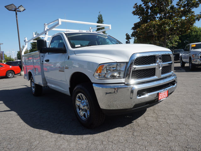 2016 Ram 3500 Regular Cab, Royal Service Body #B58491 - photo 4