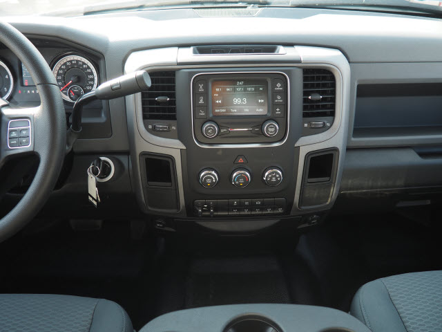 2016 Ram 3500 Crew Cab DRW, Service Body #B58825 - photo 14