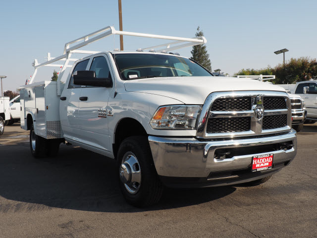 2016 Ram 3500 Crew Cab DRW, Service Body #B58825 - photo 4