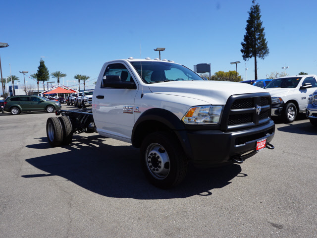 2017 Ram 5500 Regular Cab DRW, Cab Chassis #B59179 - photo 5