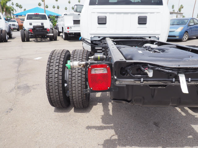 2017 Ram 5500 Regular Cab DRW 4x4 Cab Chassis #B59383 - photo 24