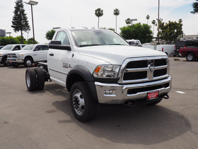 2017 Ram 5500 Regular Cab DRW 4x4 Cab Chassis #B59383 - photo 4