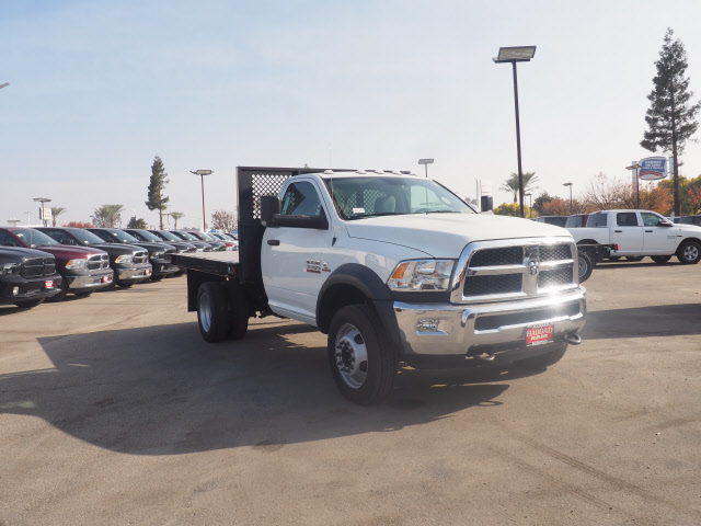 2017 Ram 5500 Regular Cab DRW 4x4 Platform Body #B59397 - photo 4