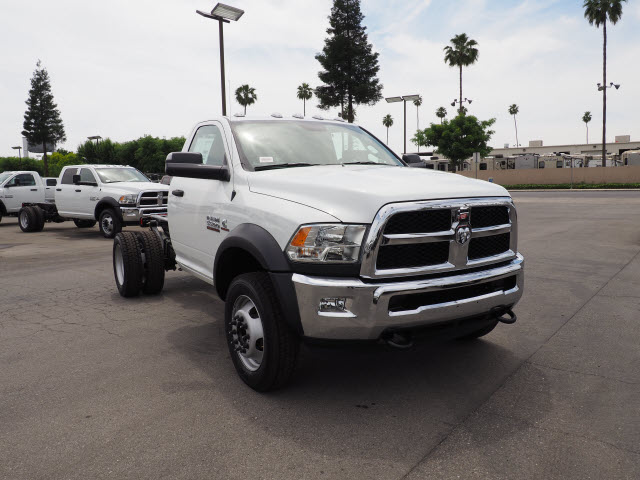 2017 Ram 5500 Regular Cab DRW 4x4 Cab Chassis #B59397 - photo 4