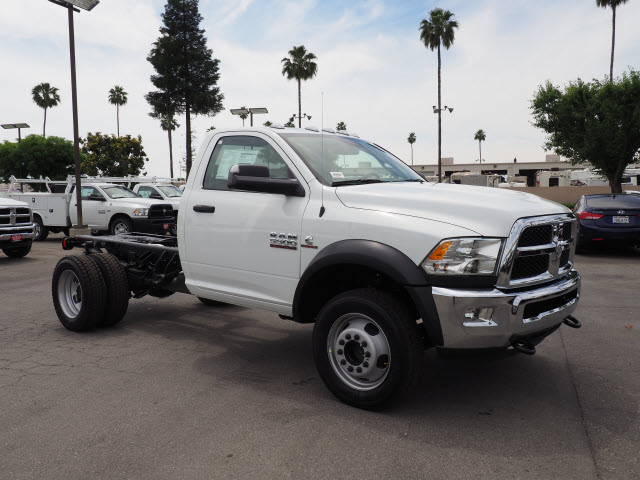 2017 Ram 5500 Regular Cab DRW 4x4 Cab Chassis #B59397 - photo 5