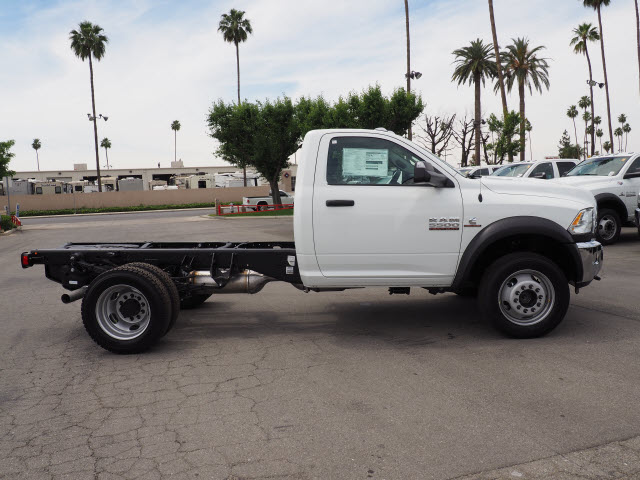 2017 Ram 5500 Regular Cab DRW 4x4 Cab Chassis #B59397 - photo 6