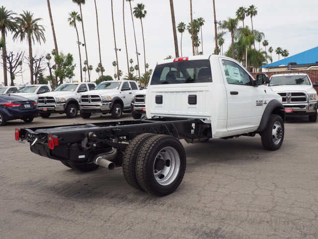 2017 Ram 5500 Regular Cab DRW 4x4 Cab Chassis #B59397 - photo 8