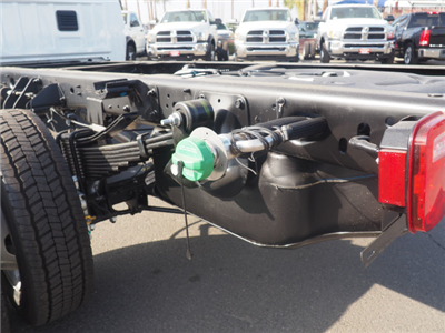 2018 Ram 5500 Regular Cab DRW Cab Chassis #B59985 - photo 24