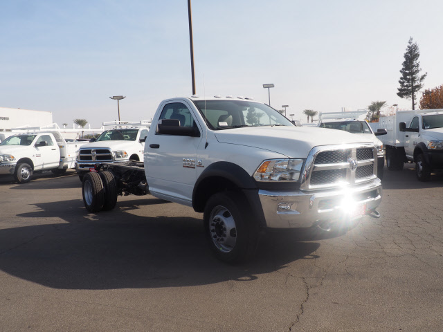 2018 Ram 5500 Regular Cab DRW 4x2,  Cab Chassis #B60006 - photo 4