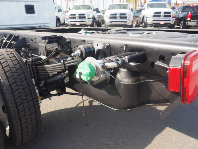 2018 Ram 5500 Regular Cab DRW 4x2,  Cab Chassis #B60006 - photo 24