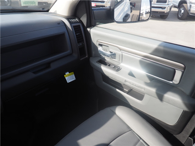 2018 Ram 5500 Regular Cab DRW, Cab Chassis #B60006 - photo 15