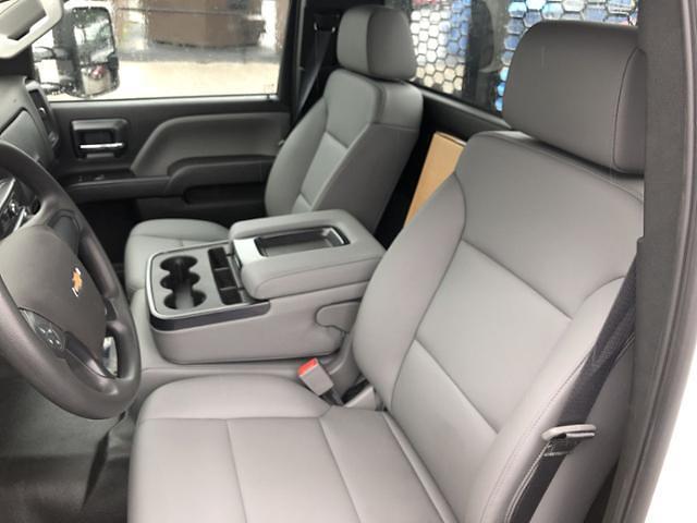 2020 Silverado 5500 Regular Cab DRW 4x2,  Knapheide Value-Master X Platform Body #200673 - photo 17