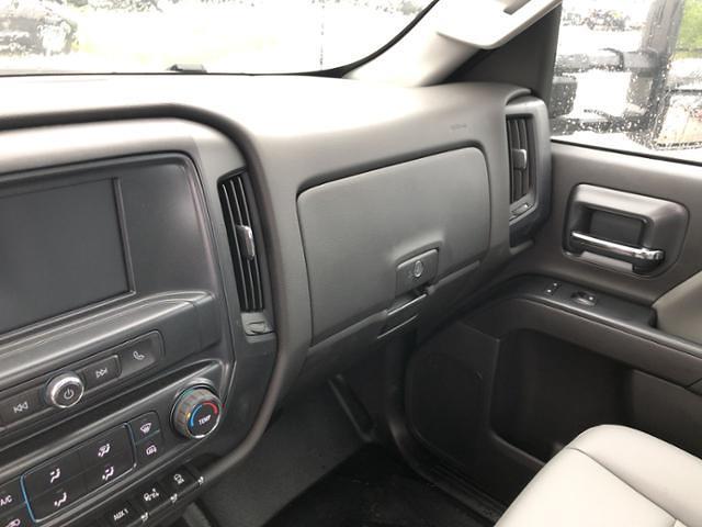 2020 Silverado 5500 Regular Cab DRW 4x2,  Knapheide Value-Master X Platform Body #200673 - photo 7