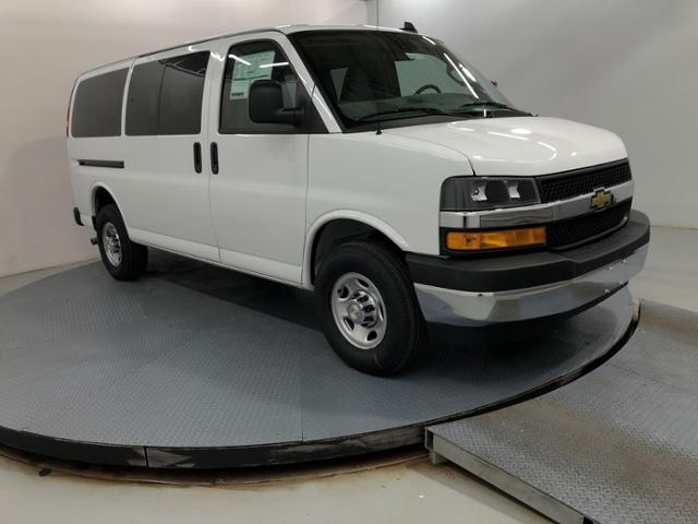 2020 Chevrolet Express 3500 4x2, Passenger Wagon #201254 - photo 1