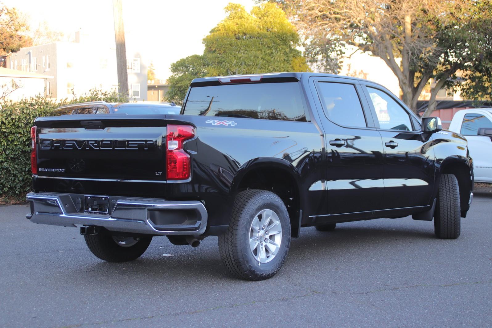 2021 Chevrolet Silverado 1500 Crew Cab 4x4, Pickup #C02419 - photo 2