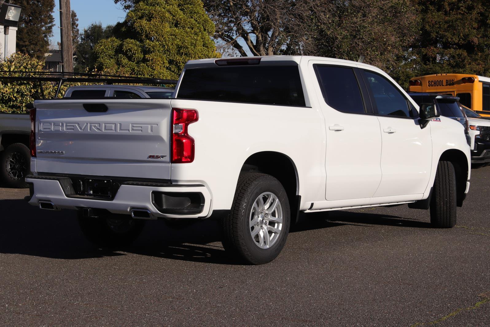 2021 Chevrolet Silverado 1500 Crew Cab 4x4, Pickup #C02490 - photo 1