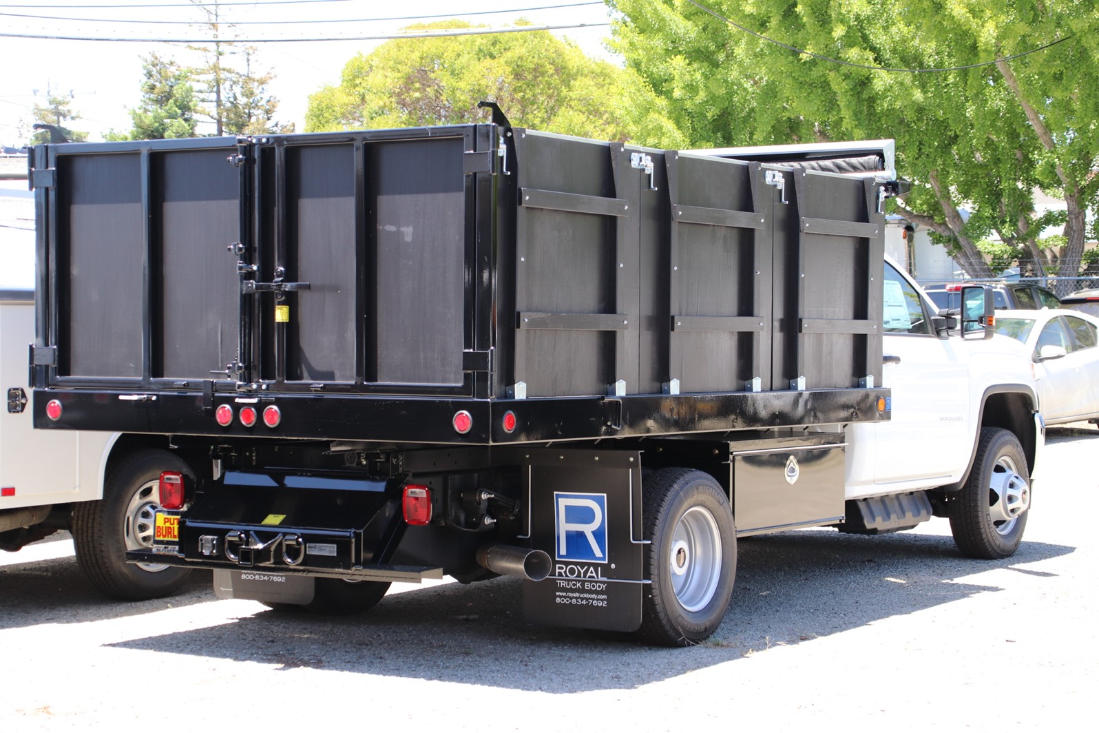 2019 Sierra 3500 Regular Cab DRW 4x2, Royal Landscape Dump #G00799 - photo 2