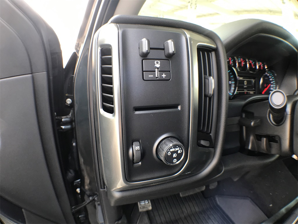 2018 Silverado 1500 Crew Cab 4x2,  Pickup #908512K - photo 14