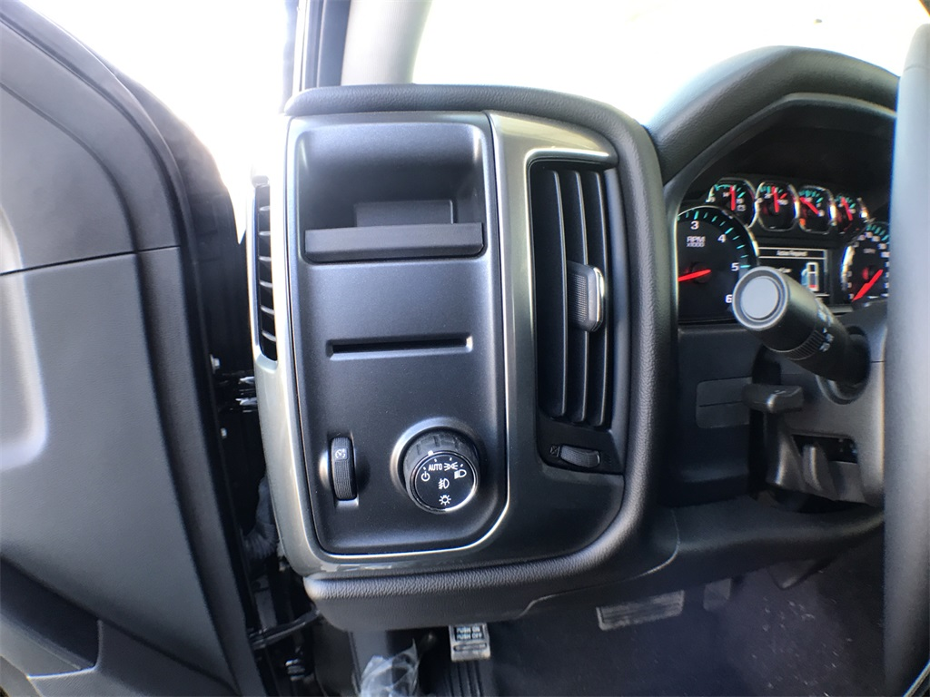 2018 Silverado 1500 Crew Cab 4x2,  Pickup #909523K - photo 12