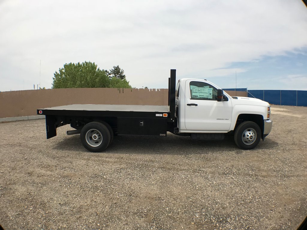 2018 Silverado 3500 Regular Cab DRW 4x2,  Knapheide Value-Master X Platform Body #916133K - photo 3