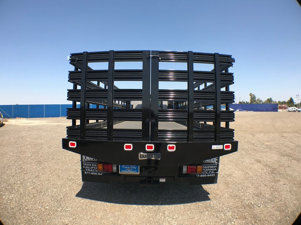 2018 LCF 5500HD Regular Cab 4x2,  Knapheide Value-Master X Stake Bed #946241K - photo 4