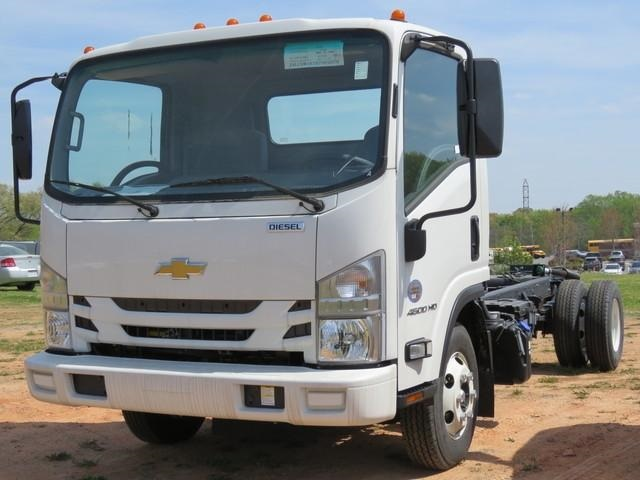 2018 LCF 4500HD Regular Cab 4x2,  Cab Chassis #M007782 - photo 5