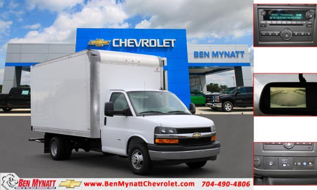 2020 Chevrolet Express 3500 4x2, Cutaway #M011272 - photo 1