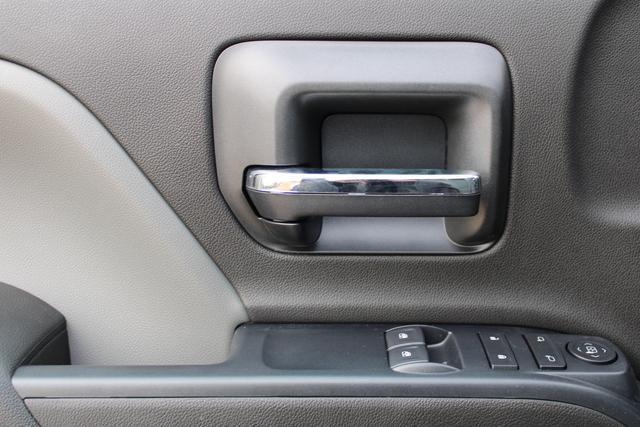 2020 Chevrolet Silverado 5500 Regular Cab DRW 4x4, Knapheide Value-Master X Platform Body #M192631 - photo 18