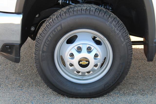 2021 Chevrolet Silverado 3500 Crew Cab 4x4, Platform Body #M194411 - photo 6