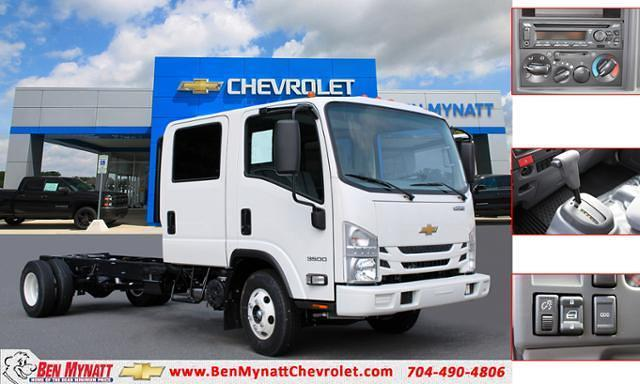 2021 Chevrolet Low Cab Forward 4x2, Cab Chassis #M200418 - photo 1