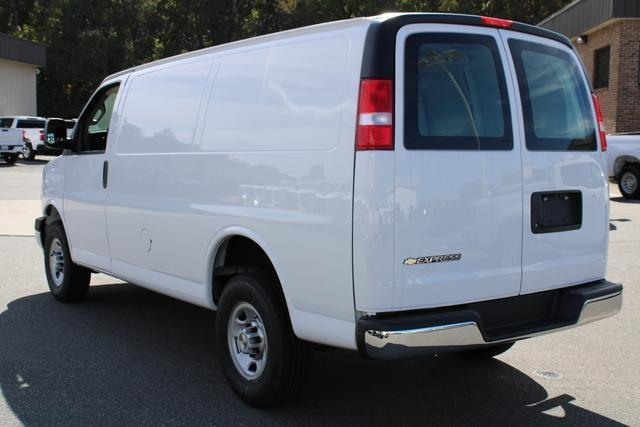 2020 Chevrolet Express 2500 4x2, Empty Cargo Van #M269811 - photo 24
