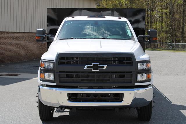 2020 Chevrolet Silverado 5500 Regular Cab DRW 4x2, Platform Body #M364663 - photo 4