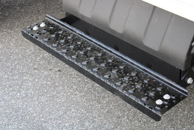 2020 Chevrolet Silverado 5500 Regular Cab DRW 4x2, Platform Body #M364663 - photo 24