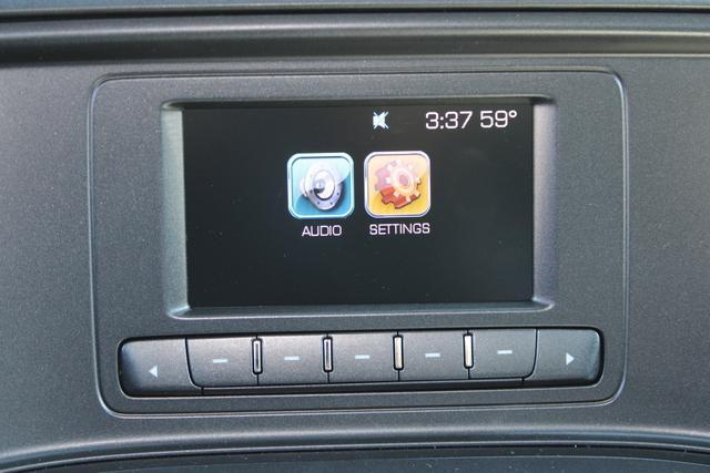 2020 Chevrolet Silverado 5500 Regular Cab DRW 4x2, Platform Body #M364663 - photo 9