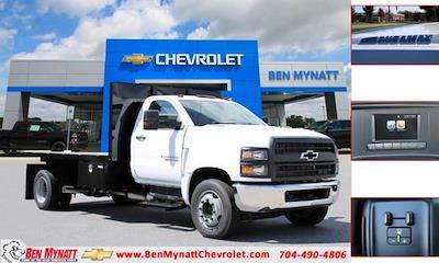 2020 Chevrolet Silverado 5500 Regular Cab DRW 4x2, Platform Body #M364663 - photo 1