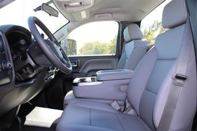 2020 Chevrolet Silverado 5500 Regular Cab DRW 4x2, Platform Body #M364663 - photo 17