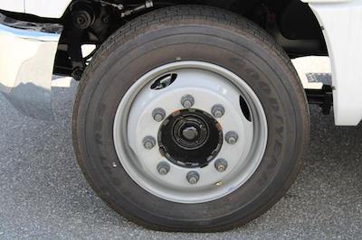 2020 Chevrolet Silverado 5500 Regular Cab DRW 4x2, Platform Body #M364663 - photo 7