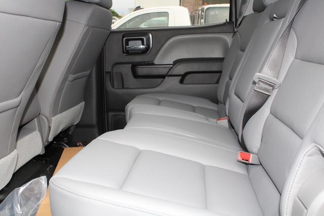 2020 Chevrolet Silverado 4500 Crew Cab DRW 4x2, Knapheide PGNB Gooseneck Platform Body #M590730 - photo 19