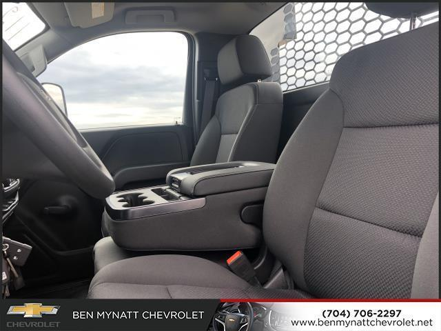 2019 Chevrolet Silverado 4500 Regular Cab DRW 4x2, Knapheide PGND Gooseneck Platform Body #M610112 - photo 10