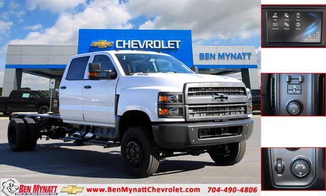 2020 Chevrolet Silverado 5500 Crew Cab DRW 4x4, Cab Chassis #M673758 - photo 1