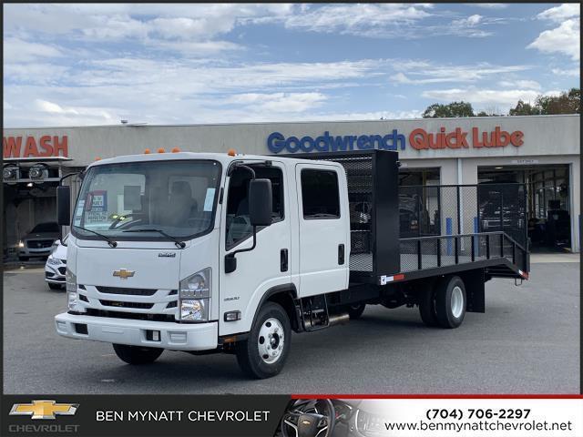 2019 Chevrolet LCF 3500 Crew Cab 4x2, Pinto Metal Fabrication Dovetail Landscape #M803925 - photo 1
