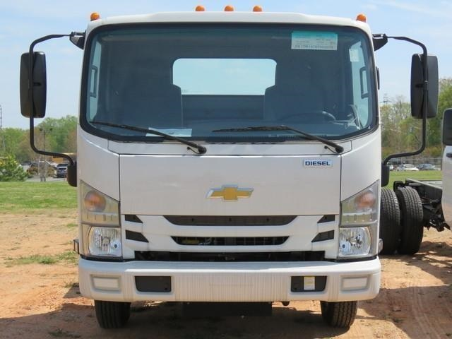 2018 LCF 3500 Regular Cab,  Cab Chassis #M807061 - photo 12