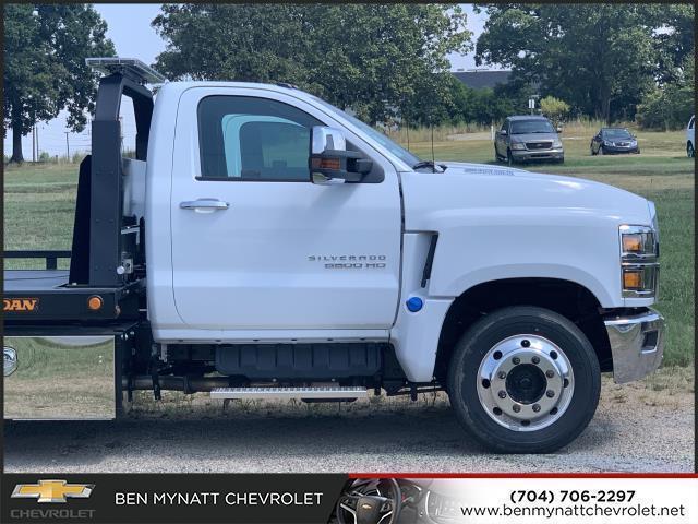 2019 Chevrolet Silverado 5500 Regular Cab DRW 4x2, Jerr-Dan Rollback Body #M827486 - photo 1